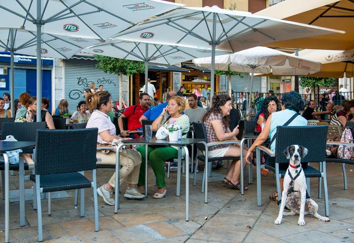 Bar plaza unamuno ambiente de terraza for Nebulizadores para terrazas de bares
